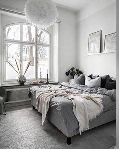 35 Amazingly Pretty Shabby Chic Bedroom Design and Decor Ideas - The Trending House Scandi Bedroom, Scandi Home, Scandinavian Home, Modern Luxury Bedroom, Trendy Bedroom, Luxurious Bedrooms, Bedroom Themes, Bedroom Decor, Peaceful Bedroom