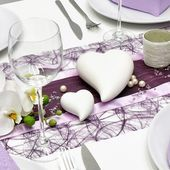 This modern wedding table decoration in aubergine and lilac will delight . This modern wedding table decoration in aubergine and lilac will spark enthusiasm for you and your Diy Wedding Programs, Budget Wedding, Wedding Table, New Years Decorations, Wedding Decorations, Table Decorations, Weddings Under 5000, Book Table, Gray Weddings