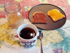 Tè e fette biscottate  breakfast Nutella chocolate jam tea apricot peach