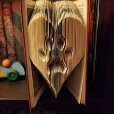 Book Folding Pattern - Heart + Free Instructions - Great for beginners Tips And Tricks, Old Book Crafts, Paper Crafts, Book Folding Patterns Free Templates, Faucet Repair, Heart Outline, Folded Book Art, Easy, Love Heart