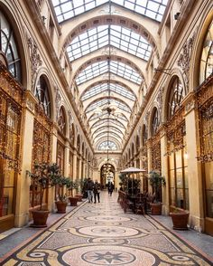 So many pretty covered passages in Paris. Galerie Vivienne is probably the most charming of all!