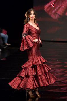 "Lina 1960 Sevilla ""Manifiesto""   Moda Flamenca - Flamenco.moda Spanish Dress, Spanish Dancer, Spanish Style, Flamenco Dancers, Flamenco Dresses, Spanish Fashion, Traditional Outfits, African Fashion, Different Styles"