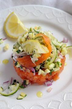 Mais pourquoi est-ce que je vous raconte ça... doriancuisine.com: Petit tartare de saumon fumé tout acidulé aux deux citrons et plein d'choses !