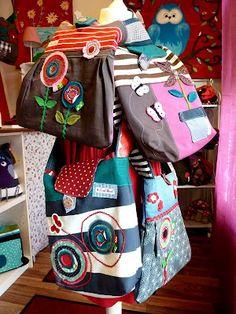 Kleurige tassen ... en die applicaties, geweldig!