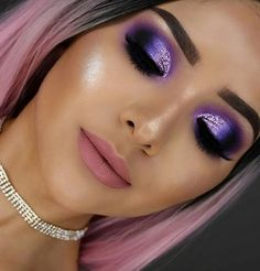25 Simple Glitter Eyes MakeUp Ideas - Make-up looks - Eye-Makeup Cute Makeup, Glam Makeup, Gorgeous Makeup, Makeup Tips, Beauty Makeup, Makeup Ideas, Amazing Makeup, Makeup Tutorials, Makeup Set