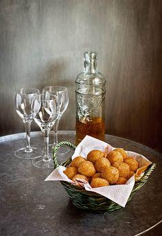 """Receta 210: Croquetas de puré de patata con bacalao » 1080 Fotos de cocina - proyecto basado en el libro """"1080 recetas de cocina"""", de Simone Ortega."""