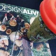 Prezenty mikołajkowe: DesignAlive od @edwardcolody i świąteczny kubek od @brytosz #xmas #design #alive #cup #presents #wood #red #black