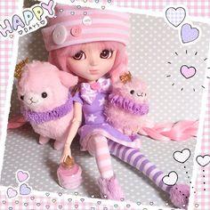 "Kawaii Pullip outfit "" Purple Milkyway ""  Tenue Kawaii pour poupée Pullip  Follow the white rabbit...  www.bunnykawaii.com #followthewhiterabbit #ftwr #bunnykawaii #pullip #pullipdoll #poupee #kawaii #mignon #cute #robe #milkyway #purple #doll #dolls #alpaca #alpacasso #amuse #tenue #outfit #stars #handmade"