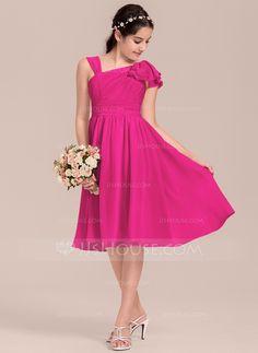 A-Linie/Princess-Linie V-Ausschnitt Knielang Chiffon Kleid für junge Brautjungfern mit Gestufte Rüschen One Shoulder, Formal Dresses, Fashion, Chiffon Gown, Fashion Dresses, Dresses For Special Occasions, Line, Bridesmaids, Wedding Dress