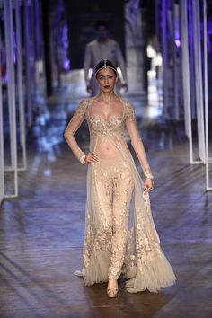 Tarun Tahiliani Collection | Vogue Wedding Show 2014
