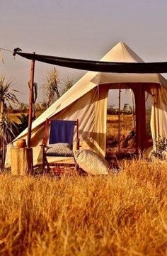 Take the one you love on a luxurious glamping vacation in Kenya this Valentine\'s Day. #campingtentscouple