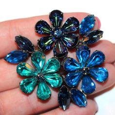 Weiss blue green teal Crystal rhinestone brooch flower pin