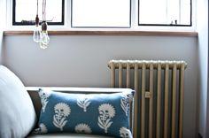 Мебель и предметы интерьера в цветах: бирюзовый, черный, серый, светло-серый. Мебель и предметы интерьера в стиле минимализм.