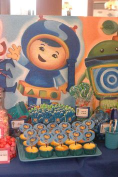 Gelo's Umizoomi 2nd Birthday Party | CatchMyParty.com good idea for the slapping hands! Put a sticker on it!