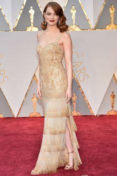 Se il vestito di Emma Stone agli Oscar ti ha fatto impazzire, qui lo vedi da ogni angolo