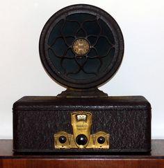 Vintage Radio Collection - Crosley Showbox Table Radio, Model With Crosley Dynacone Type E Speaker, Made In USA, Both Circa 1928 Art Nouveau Design, Art Deco, Medina Ohio, Steampunk, Radios, Television Set, Antique Radio, Oral History, Record Players