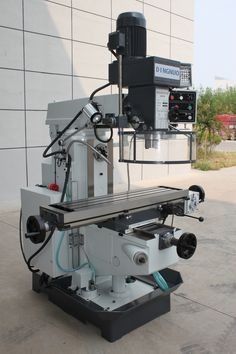 drilling milling machine is with axis is automatic feed through gear box box is gear drive, quill can feed manually. is movable forward and backward, and swivel 180 degrees. Milling Machine, Machine Tools, Woodworking Industry, Gear Drive, Wooden Crafts, Cnc Router, Technology Gadgets, Johnny Bravo, 3d Printer