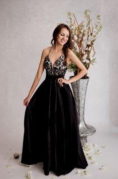 41d439cd046d 38 nejlepších obrázků z nástěnky Dámské večerní šaty v roce 2019