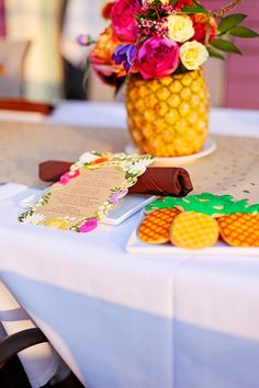 A Caribbean Birthday Dinner! 60th Birthday Party, Birthday Dinners, Baby Birthday, Birthday Ideas, Caribbean Theme Party, Dinner Themes, Event Themes, Pineapple Flowers, Wedding Catering