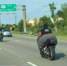 Black Bike Week 2014 was last week in Myrtle Beach, S., and with it came some of the most hilarious visuals on social media. Funny Shit, Funny Jokes, Hilarious, Fat Funny, Very Funny Pictures, Funny Photos, Pinguin Illustration, Funny Clips, Luxury Sports Cars