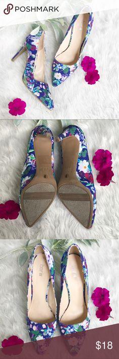 "BAR III purple floral heels size 9 Excellent condition▪️no flaws, like new▪️size 9▪️BAR III▪️purple floral pattern▪️3.5"" heel Bar III Shoes Heels"