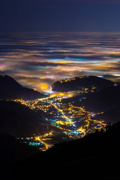 sixpenceee-is this the same valley of the lights, in Italy?