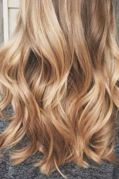 If I ever decide to go even blonder love this! 36 Blonde Balayage with Caramel, Honey, Copper Highlights