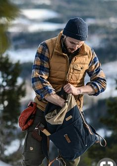 fe462b29512  Inspo  Rugged via malefashionadvice on October 10 2018 at 01 55PM Style  Bûcheron