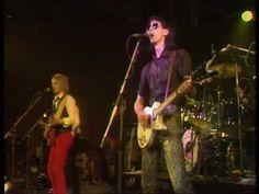 "THE CARS – ""My Best Friend's Girl"".  Live From ""Rock Goes To College"", 1978.  Follow – > http://www.songssmiths.wordpress.com  Like -> http://www.facebook.com/songssmithssongssmiths"