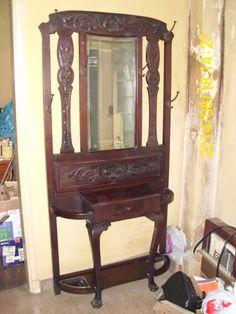 antiguo recibidor perchero de estilo c/espejo Furniture, Home Decor, Coat Hooks, Mirrors, Style, Decoration Home, Room Decor, Home Furnishings, Home Interior Design