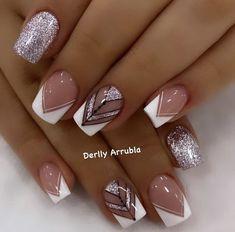 Classy Nails, Stylish Nails, Trendy Nails, Elegant Nails, French Tip Nail Designs, Cute Nail Art Designs, White Nails With Gold, Gold Nails, Almond Acrylic Nails