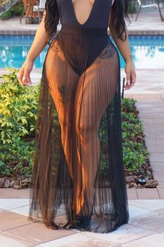 Women Mesh Sheer Pleated Sexy Maxi Beach Skirt Cover Up - Black, S - Bikini Fashion Curvy Women Fashion, Plus Size Fashion, Unique Fashion, Ropa Interior Babydoll, Beach Maxi Skirt, Curvy Girl Outfits, Vetement Fashion, Looks Plus Size, Curvy Models