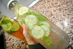 Se procura emagrecer e perder a sua barriga, esta bebida é uma combinação excelente para a resolução desse problema! Os ingredientes desta água contém propriedades emagrecedoras, que vão