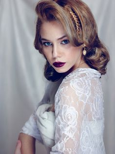 White wedding shrug for bride, white lace. 4-options shawl, shrug, twist and scarf, bridal cover up, bridal bolero