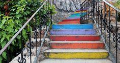 lauluni sadepäivän varalle: Alanyan sateenkaariportaat #rainbowstaircase #alanya #turkki #turkey #travel