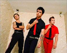 I love this era! Emo Bands, Music Bands, Green Day Band, Green Day American Idiot, Billy Talent, Billie Joe Armstrong, Black Veil, Paramore, Pretty Men