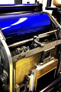 "Letterpress Pantone Blue | Heidelberg ""windmill"" platen | Letterpress Manufaktur Hamburg"