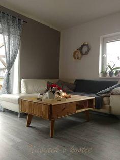 Luxusní dubový konferenční stolek DALLAS 67 je luxusní a velmi stylový stolek z masivu, která daruje Vašim interiérům punc dokonalosti. Dallas, Table, Furniture, Home Decor, Decoration Home, Room Decor, Tables, Home Furnishings, Home Interior Design