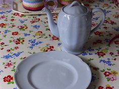 Coffee pot & plate by Bliss10, via Flickr