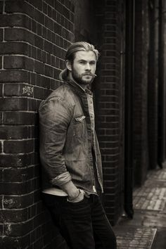 Chris Hemsworth as Stone in Heart of Stone. #wattpad #wattys2015 #sytycw15