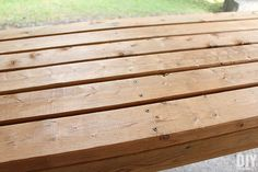How to Build a Outdoor Bar Table – Do it YourSelf Interior Design Outdoor Bar Table, Outdoor Coffee Tables, Outdoor Dining, Outdoor Decor, Diy Outdoor Furniture, Garden Furniture, Furniture Ideas, Ana White, Bar Table Diy