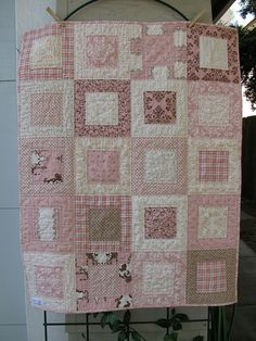 Best 11 Baby quilt tutorial – perfect for using charm squares. Learn a new quilting skill – how to sew together patchwork squares on – SkillOfKing. Quilt Baby, Baby Quilt Patterns, Baby Girl Quilts, Girls Quilts, Baby Quilt For Girls, Baby Boy, Patchwork Quilt, Patchwork Baby, Pink Quilts