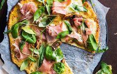 Kukkakaalipizza parmankinkulla ja viikunalla/Cauliflower pizza with Parma ham and figs, Kotiliesi.fi