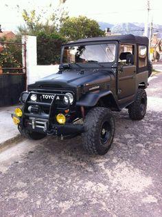 BLACK FJ40