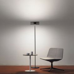 Led Machine Floor Lamp is a lamp for diffused light. Designed by Sergio Prandina in 2017 is producted by Prandina. Decor Interior Design, Interior Design Living Room, Room Interior, Floor Standing Lamps, Floor Lamps, Standing Lights, Suspended Lighting, Light Architecture, Architecture Design
