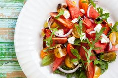 It's almost spring and what better way to welcome the warmer weather than with some healthy recipes. Enjoy this watermelon, tomato, and feta salad now! Feta Salad, Caprese Salad, Prosciutto, Tostadas, Whole 30 Lunch, Summer Tomato, Watermelon Salad, Cooking Recipes, Healthy Recipes