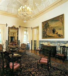 GC19AJR Palácio do Correio Mor (Multi-cache) in Lisboa, Portugal created by clcortez & vsergios Decor, Mansions, Interior And Exterior, Interior, Mansion Interior, Home Decor, Property, Interior Design, Exterior