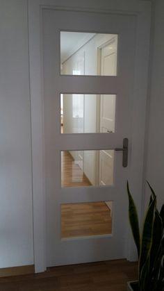 BOSCO V4 lacada en blanco con cristal transparente con @puertascastalla Küchen Design, Door Design, House Design, Internal Doors Modern, Peaceful Home, Glass Barn Doors, Modern Front Door, White Doors, Home Interior Design