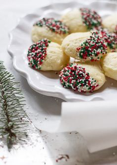 italian christmas ricotta cookies + a giveaway! | theclevercarrot.com