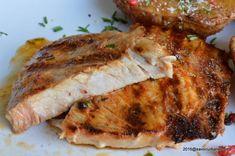 Cotlet marinat - cum se marineaza carnea de porc Savori urbane Pork Recipes, New Recipes, Healthy Recipes, Romania Food, Cooking Tips, Cooking Recipes, Tasty, Yummy Food, Cordon Bleu